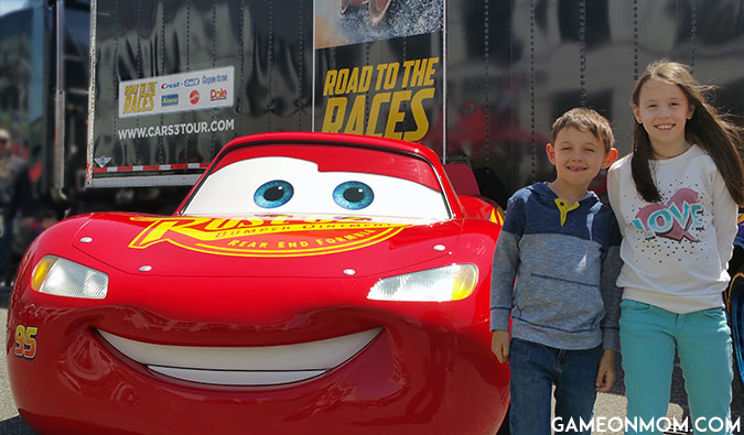 Cars 3 Road to the Races Life Size Lightning McQueen