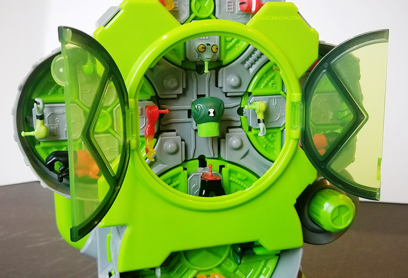 The Ben 10 Alien Creation Chamber: Create Your Own Mini